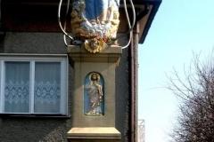 Przydrozne-kapliczki-Figura-Wniebowziecia-Najswietszej-Maryi-Panny