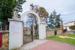 Cmentarz-wojenny-w-Brzeski