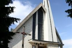 Kosciol-Milosierdzia-Bozego-w-Czchowie