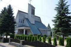 Kosciol-parafialny-p.w.-Matki-Boskiej-Krolowej-Polski