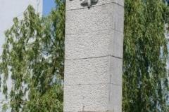 Pomnik-ku-czci-bohaterom-poleglym-w-I-i-II-wojnie-swiatowej