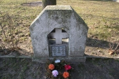 Pomnik-mogily-zbiorowej-mieszkancow-Szczurowej-straconych-w-czasie-II-wojny-swiatowej_1